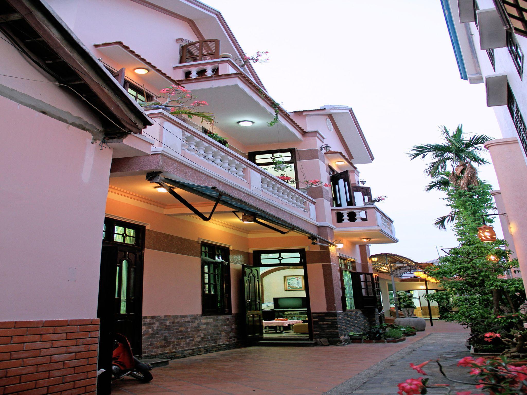 RED CERAMICS HOMESTAY, Hội An