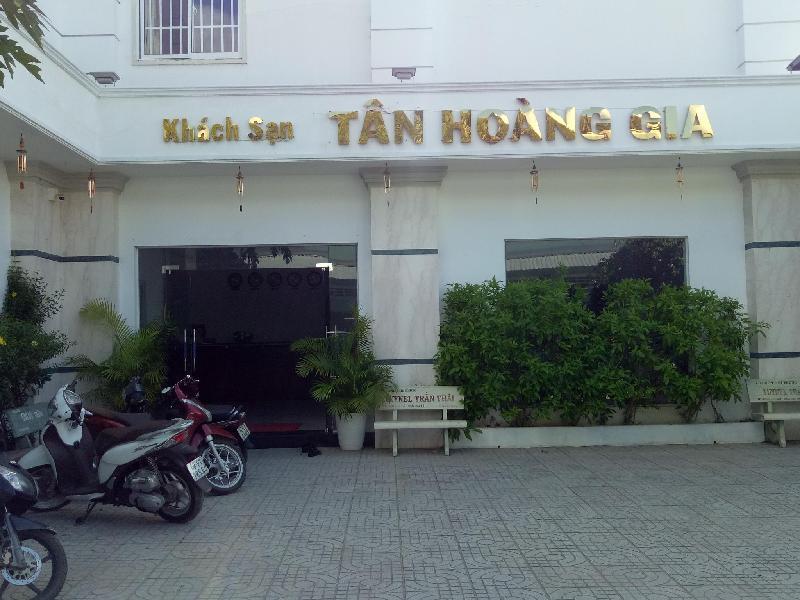 Khách sạn Tân Hoàng Gia