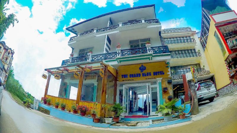 Khách sạn The Grand Blue
