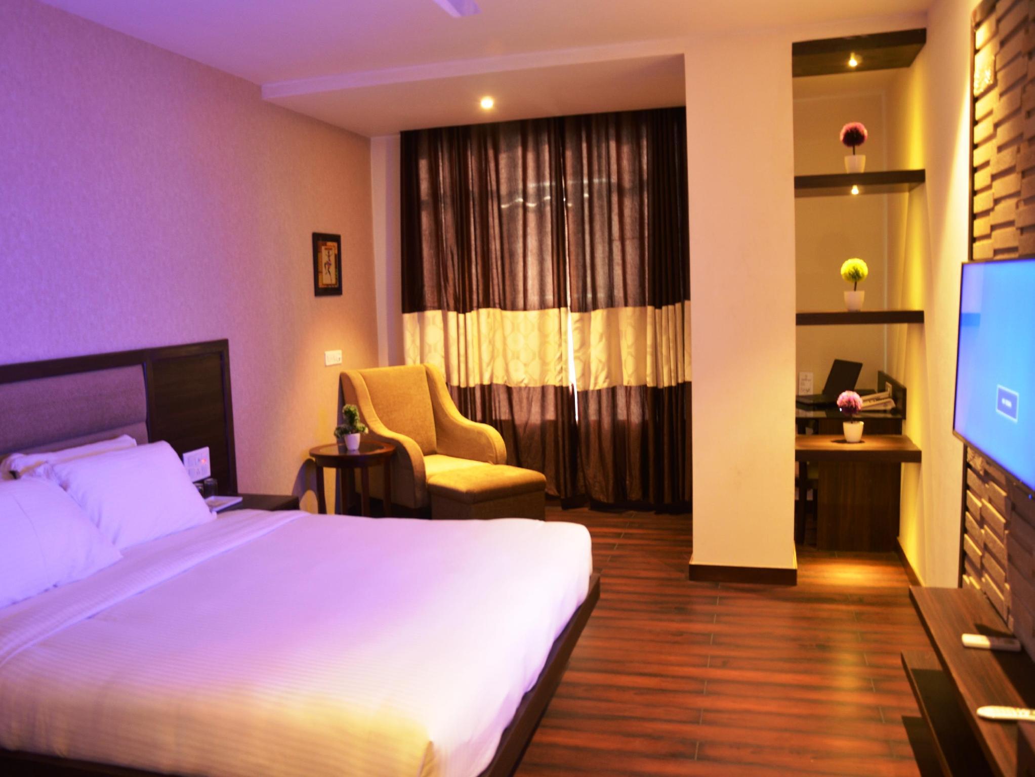 Hotel Fortune Blue, Sikar