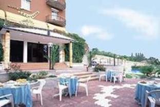 Hotel Boomerang, Parma