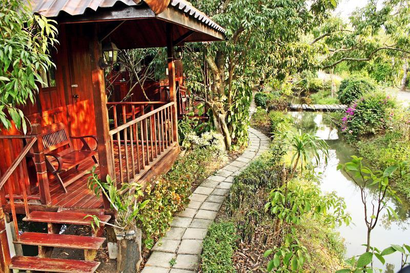 Lychee garden resort, Bang Khon Ti
