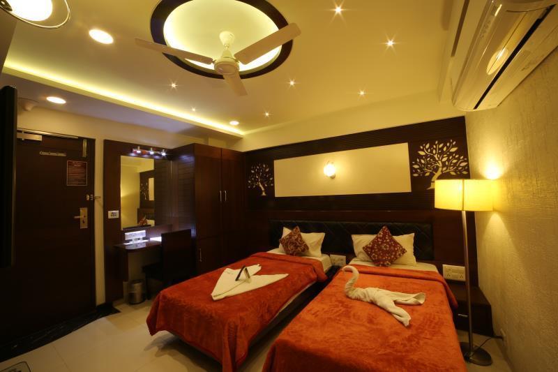 Hotel Grand Pragati, Surat