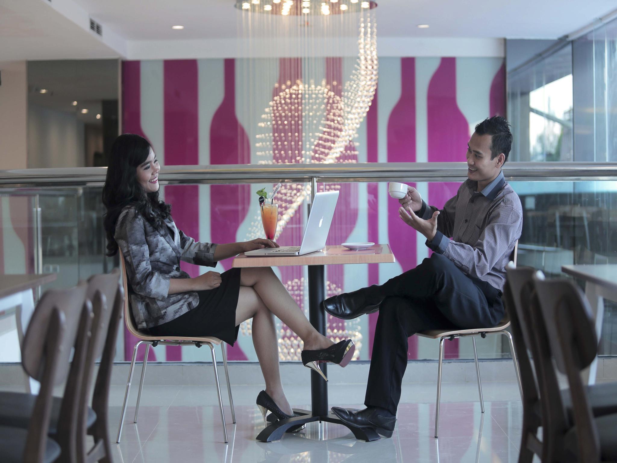 SunShine Inn Hotel Bekasi, Bekasi