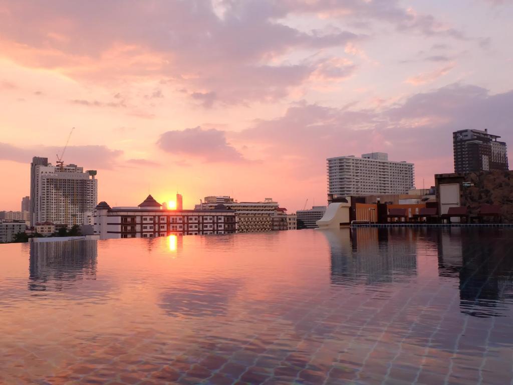 Best ladyboy hotel pattaya-3391