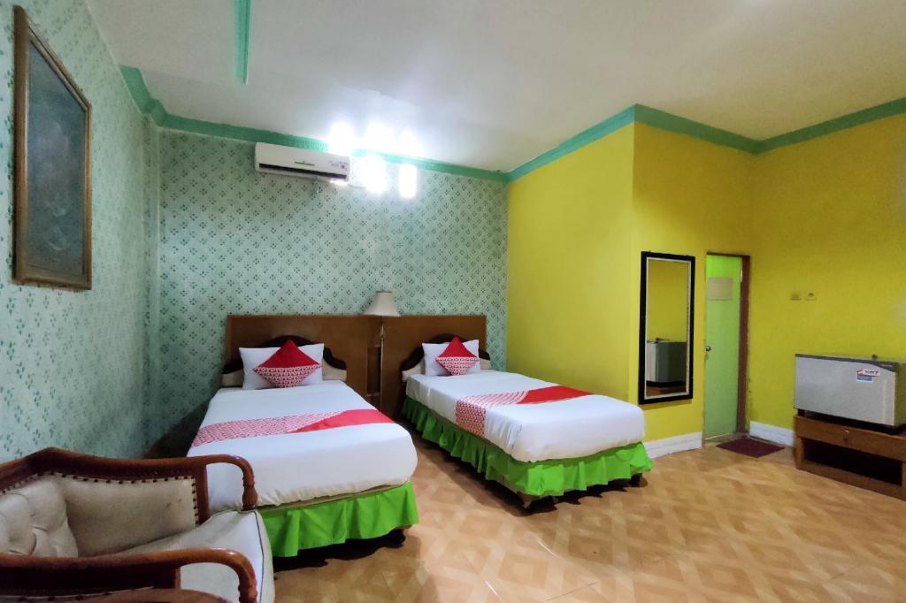 OYO 2994 Hotel Wedika
