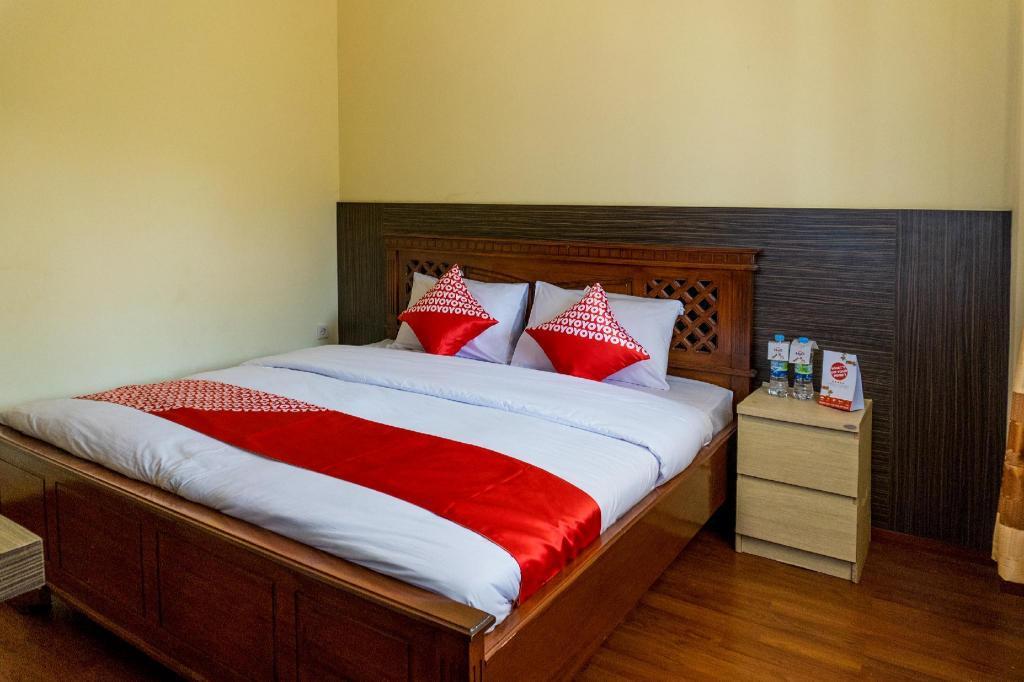 OYO 812 Hotel Trita Bahari