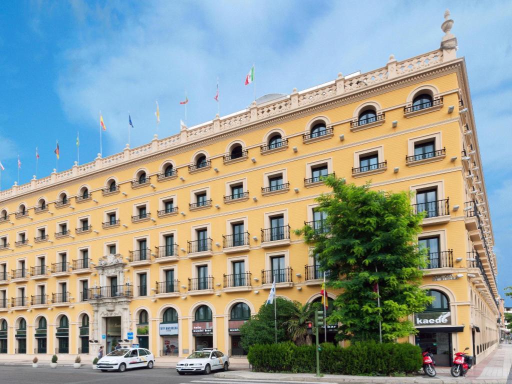 Best price on tryp sevilla macarena hotel in seville reviews for Hotels seville