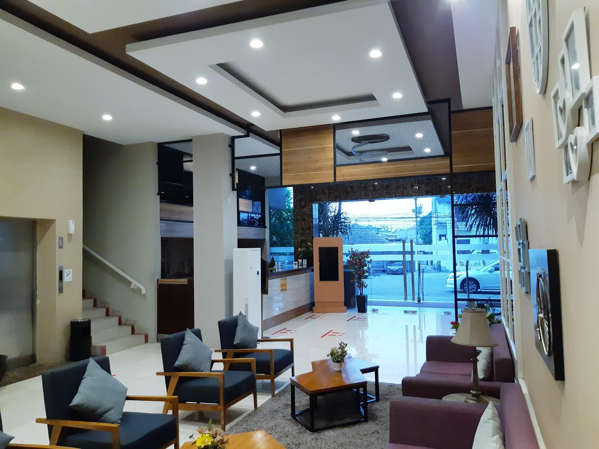 Triizz Hotel Semarang by Royal Singosari