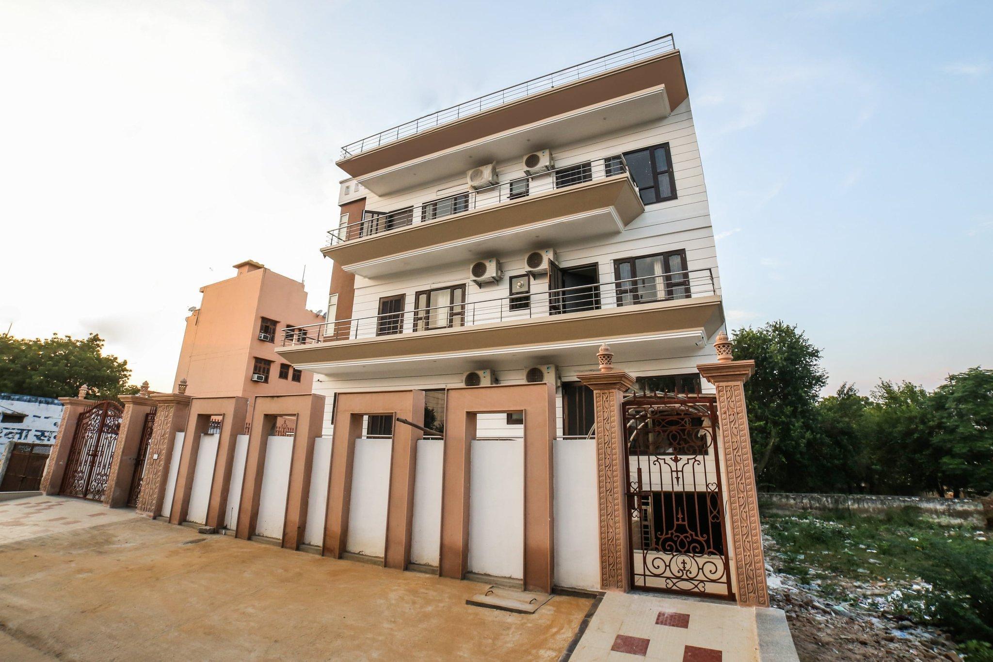 OYO 61810 Royal Stay, Rewari