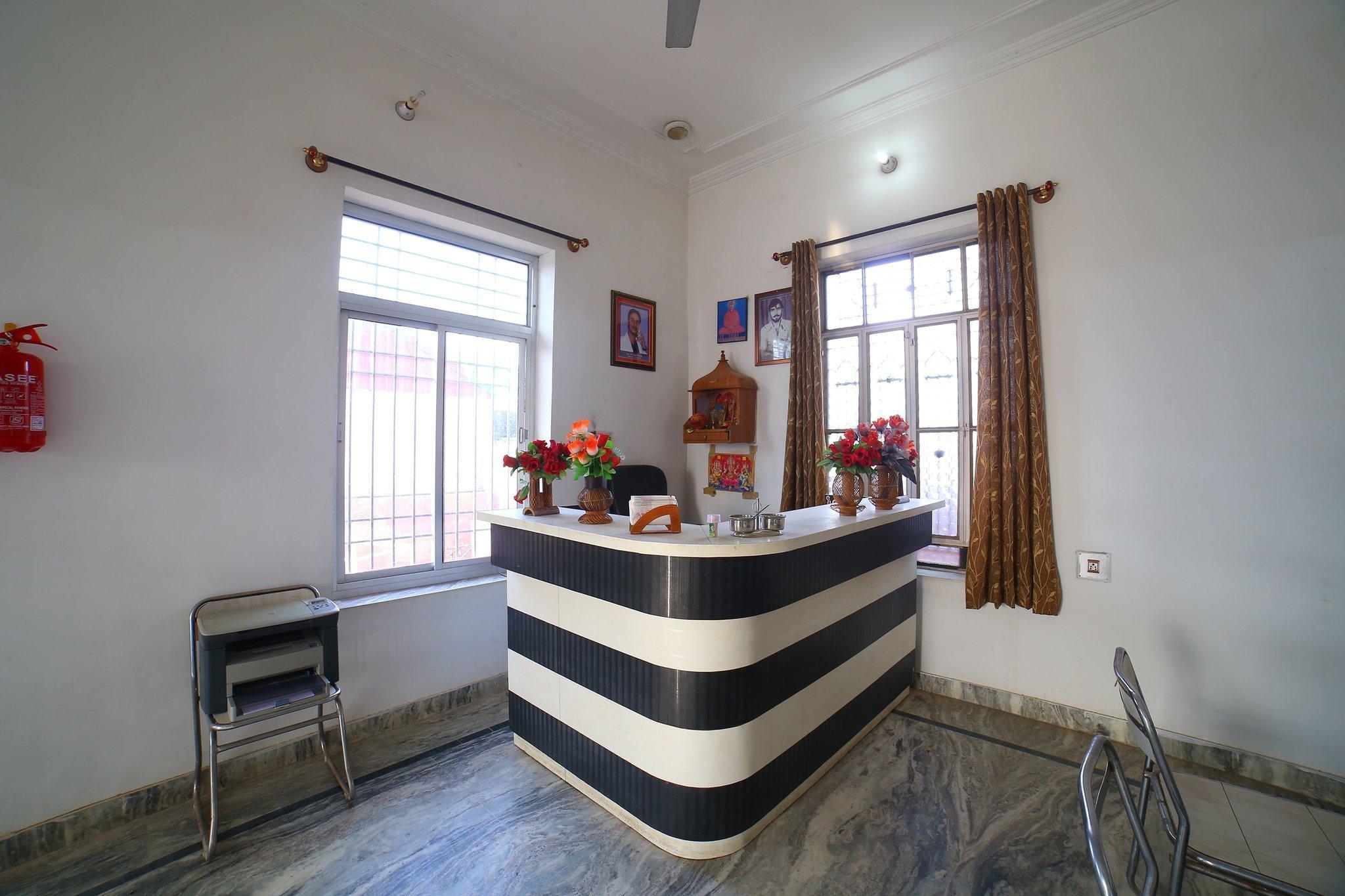 OYO 40049 Shri Krishnam Hotel & Restaurant, Sikar