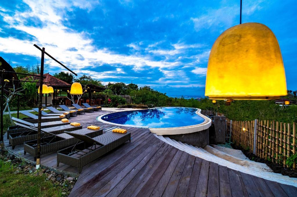 Fasilitas kolam renang di The Kirana Ungasan