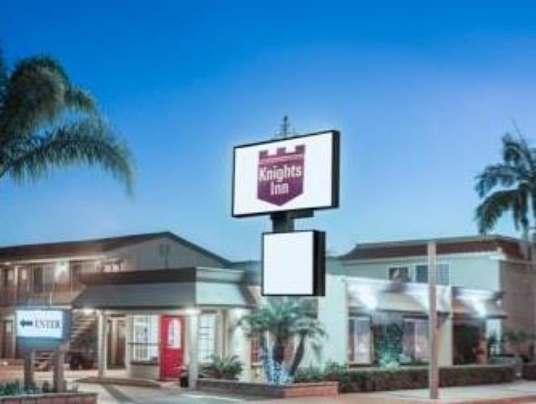 Best price on hotel 414 anaheim in los angeles ca reviews for Hotels 90028
