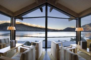 Best Hotels in Queenstown, New Zealand: From Cheap to Luxury Accommodations and Places to Stay