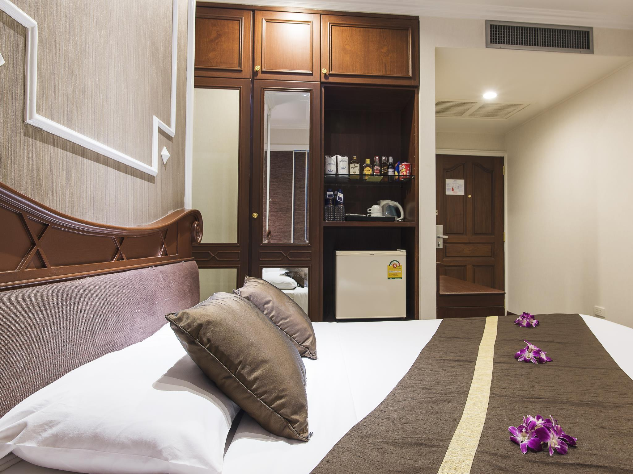 Majestic Suites, Khlong Toey