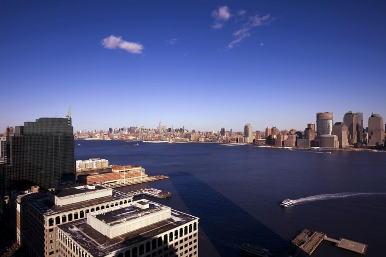 Liberty Towers, Hudson
