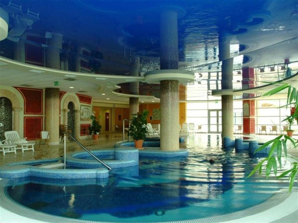 Best price on thermal hotel visegrad superior in visegrad for Superior hotel