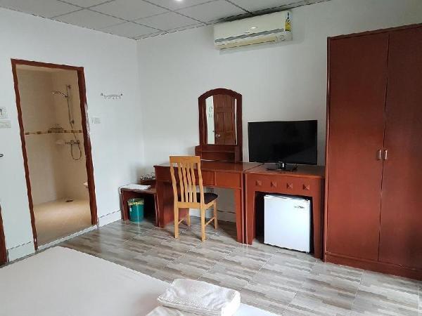 Welcome Inn Hotel Karon Beach Double superior room from only 700 Baht Phuket