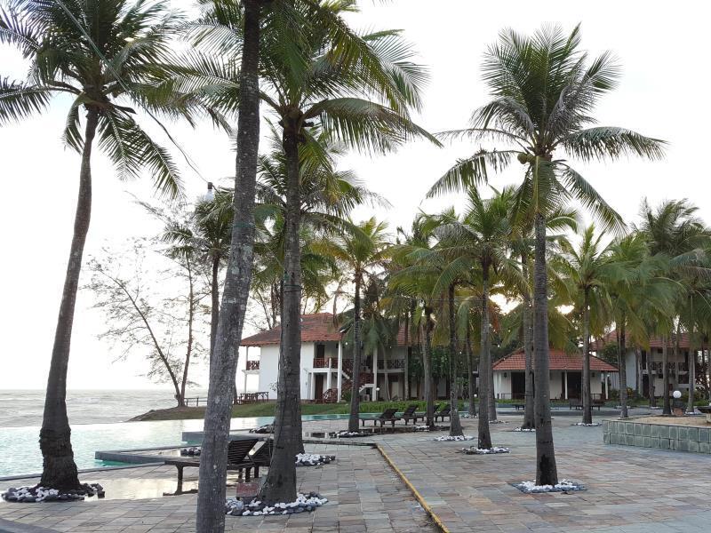 Sutra Beach Resort, Setiu