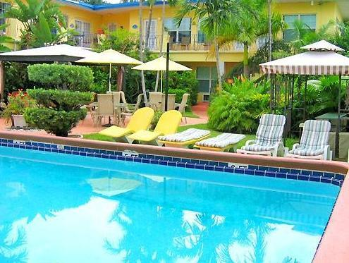 Grand Palm Plaza (Gay Male Clothing Optional Resort) A North Beach Village Resort Hotel, Broward