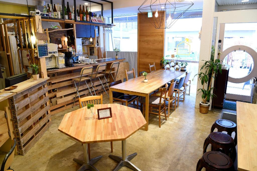 BEST HOSTELS IN OSAKA: BEEHIVE HOSTEL OSAKA