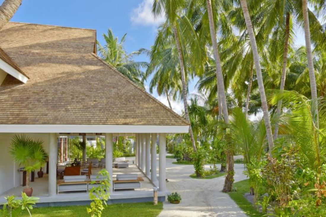 book kuramathi island resort maldives islands maldives. Black Bedroom Furniture Sets. Home Design Ideas
