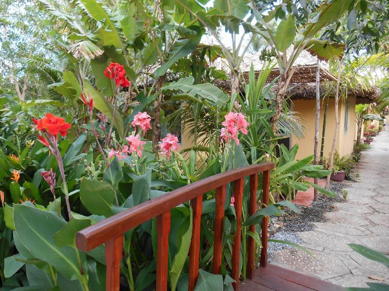 Thuy - Gunter Garden Bungalows