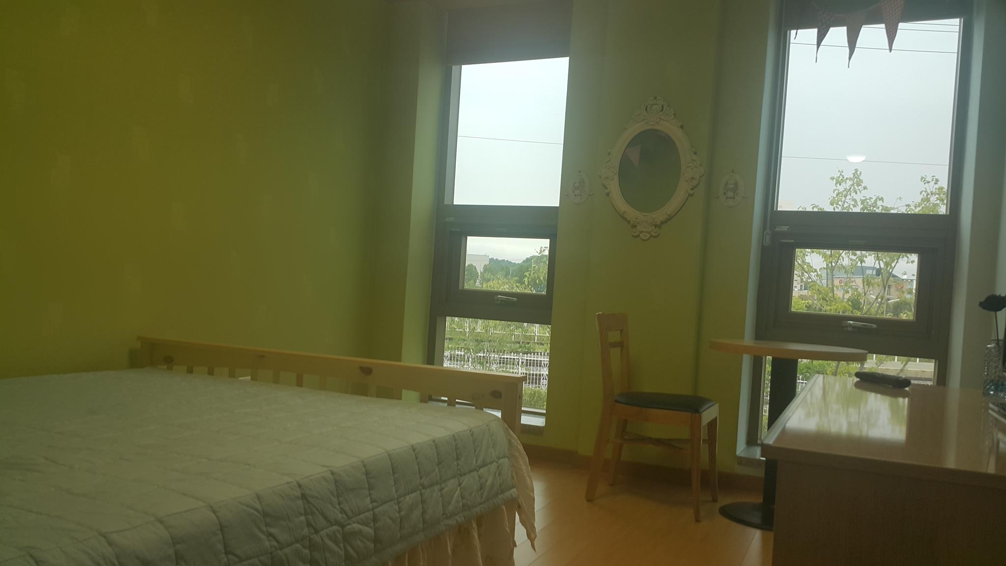J Hostel, Seocheon
