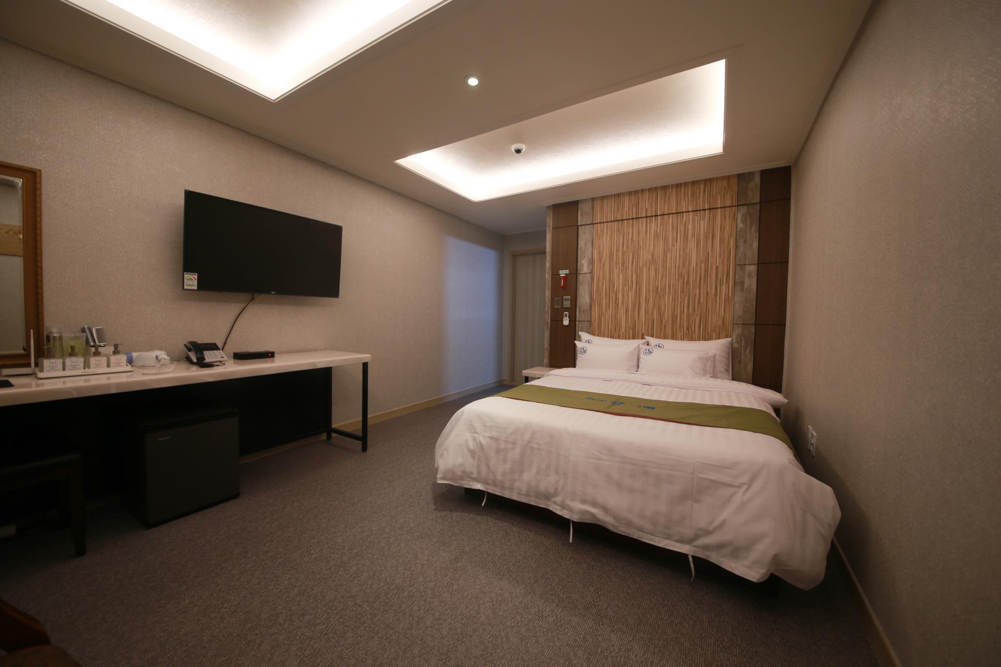 Sansu Hotel, Asan
