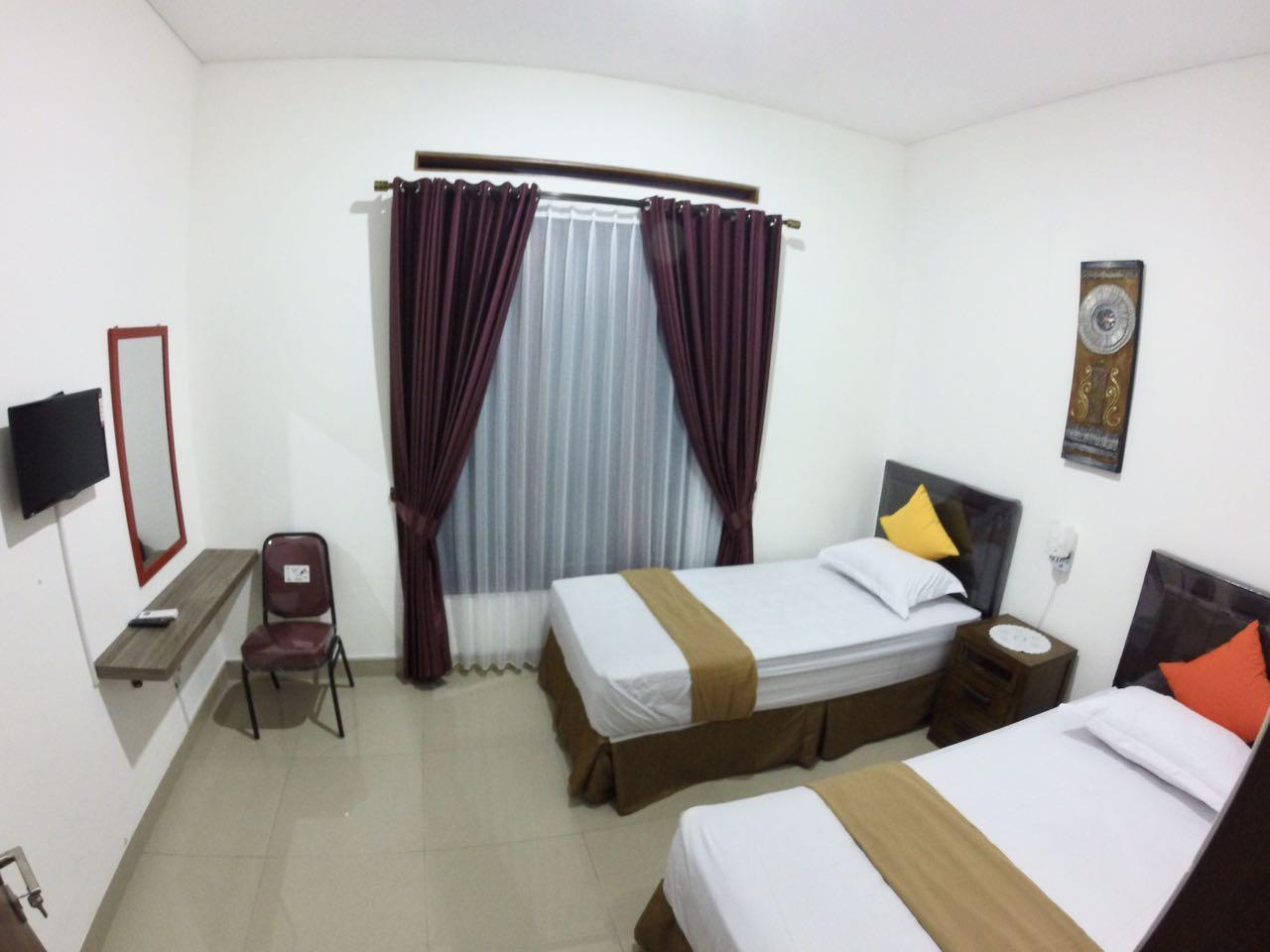 Padma Laguna Guest House, Bantul