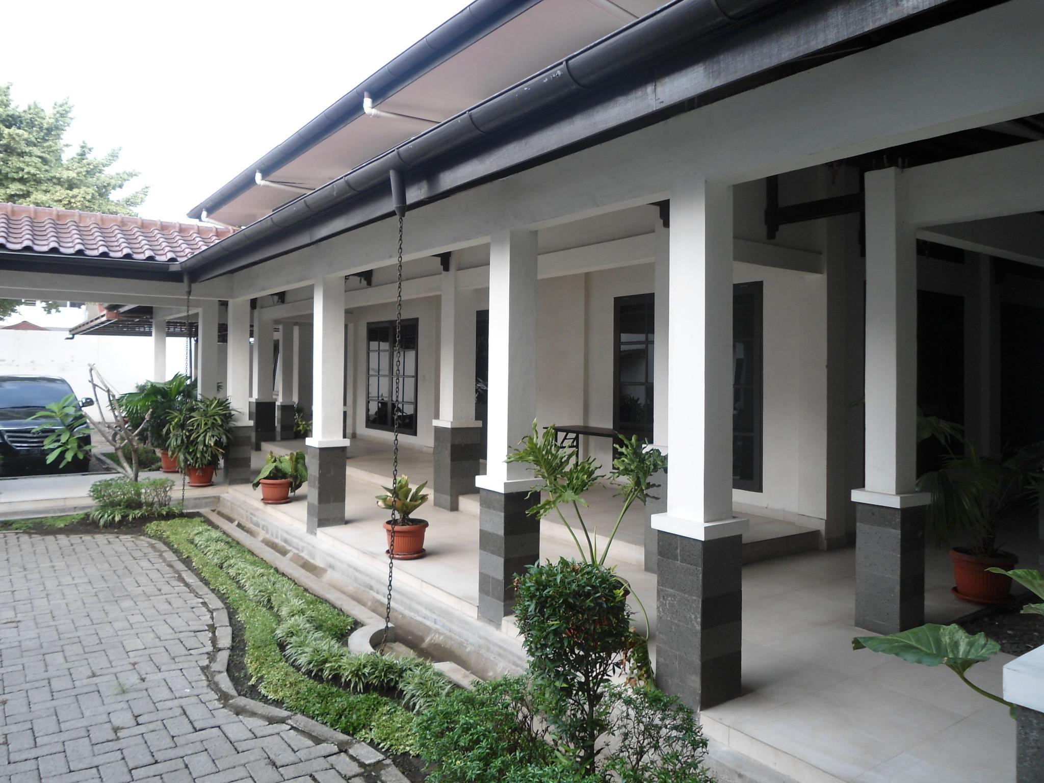 Avros, Medan