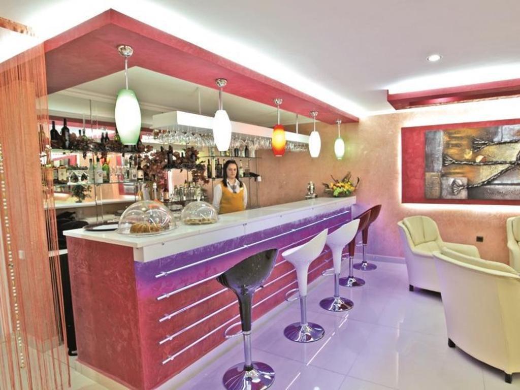 Best price on marinem istanbul laleli hotel in istanbul for Istanbul family suites laleli