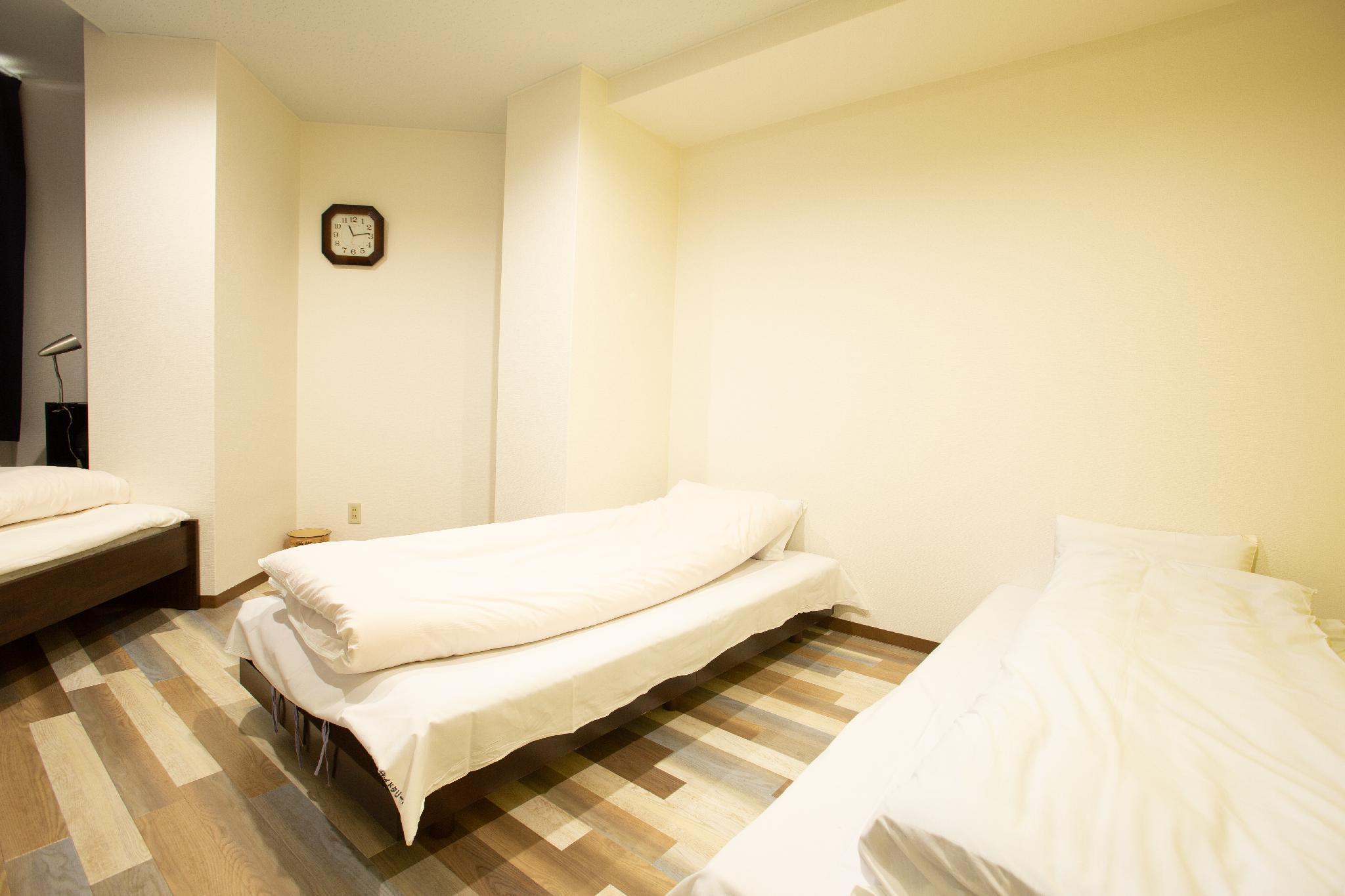1.2.3 Guest House, Osaka