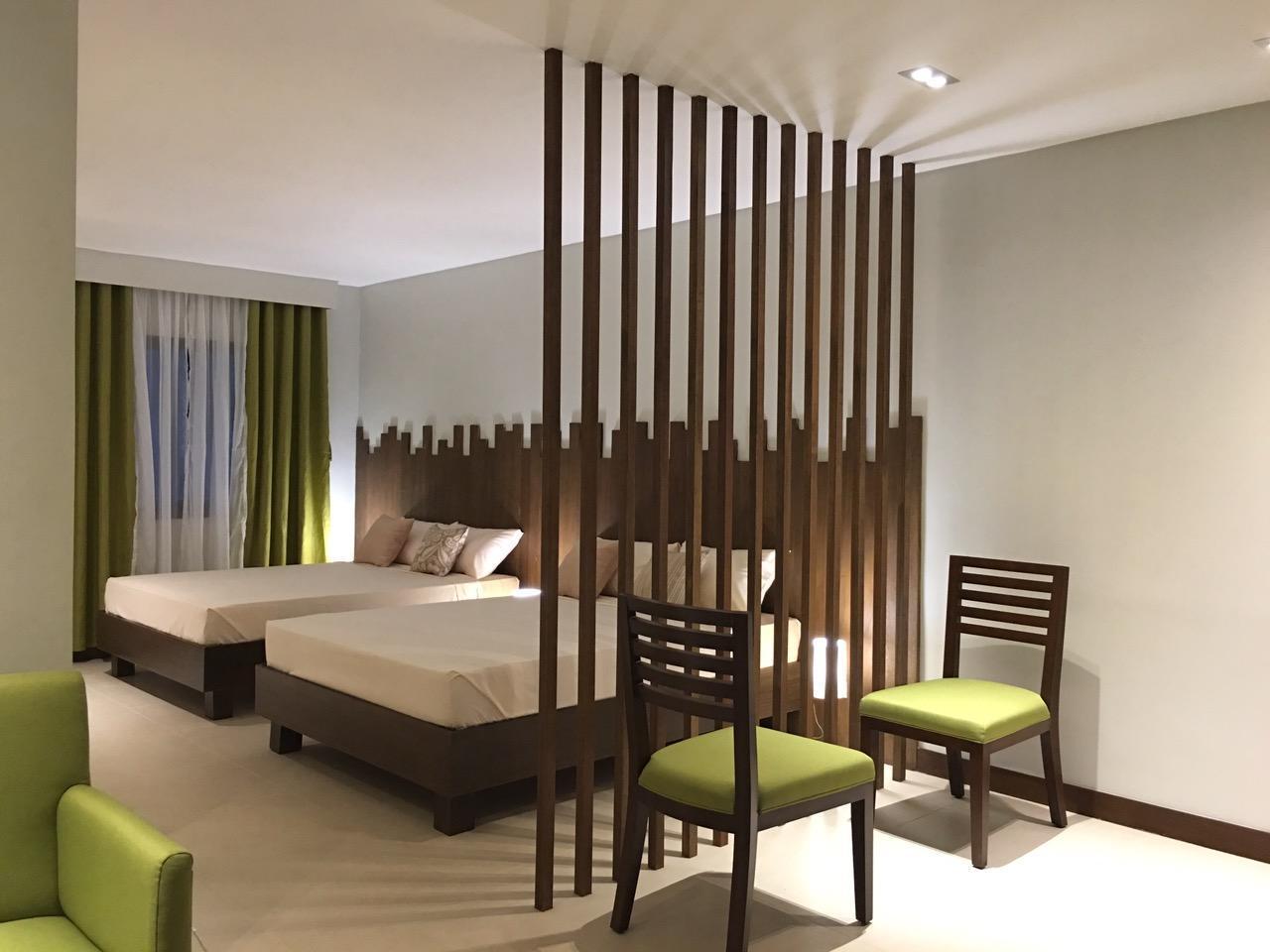 Sage Leaf Hotel, Morong