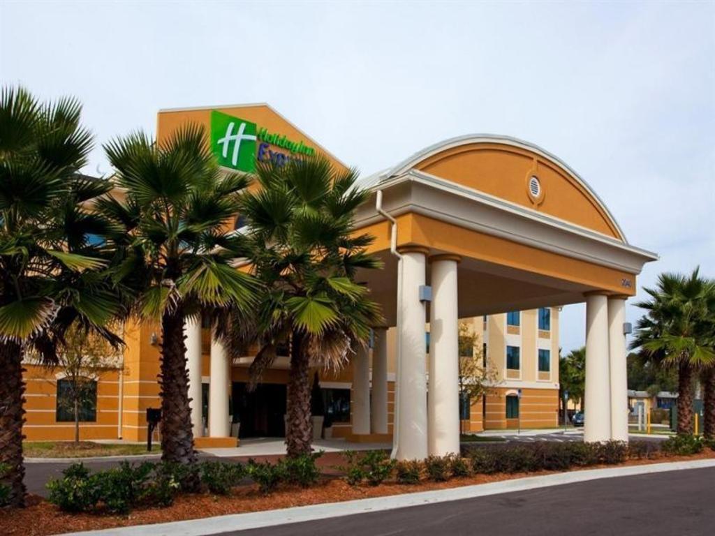 best price on holiday inn express hotel suites. Black Bedroom Furniture Sets. Home Design Ideas