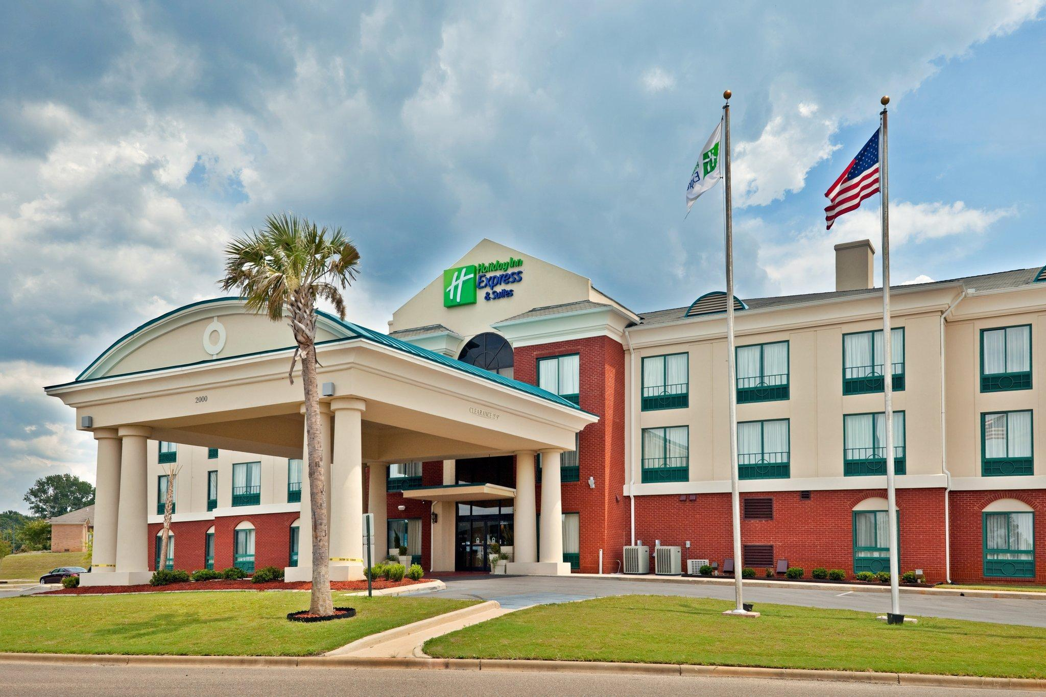 Holiday Inn Express Hotel & Suites Selma, Dallas