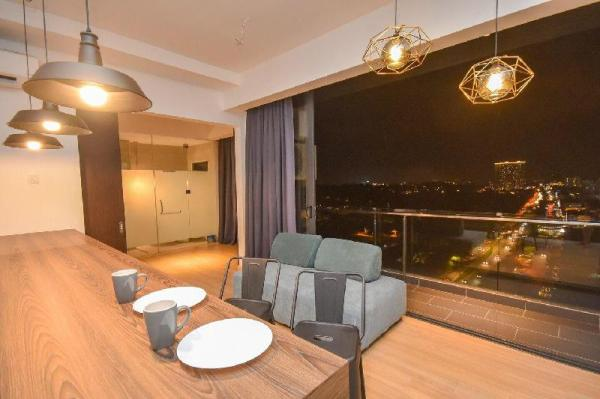 Cube 8teens Family Suite by Nest Home【Night View】 Johor Bahru
