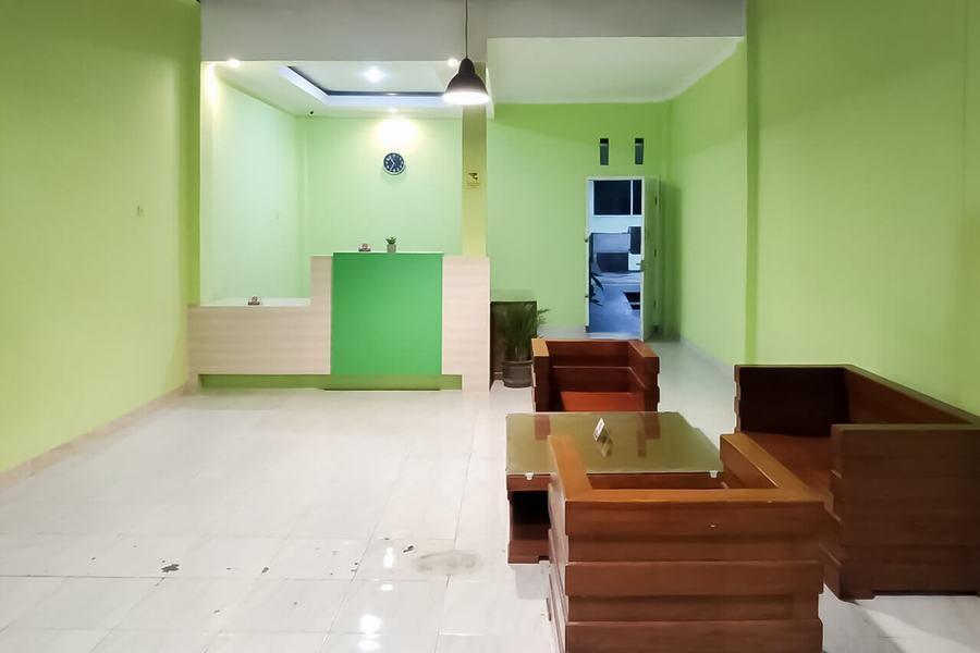 RedDoorz Syariah near Hermina Hospital Palembang 2