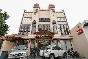 OYO 240 Audah Sevana Syariah Hotel, Surabaya