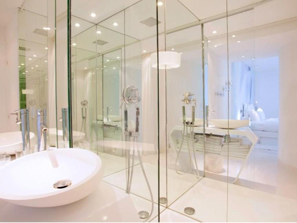 Best price on blc design hotel in paris reviews for Blc design hotel