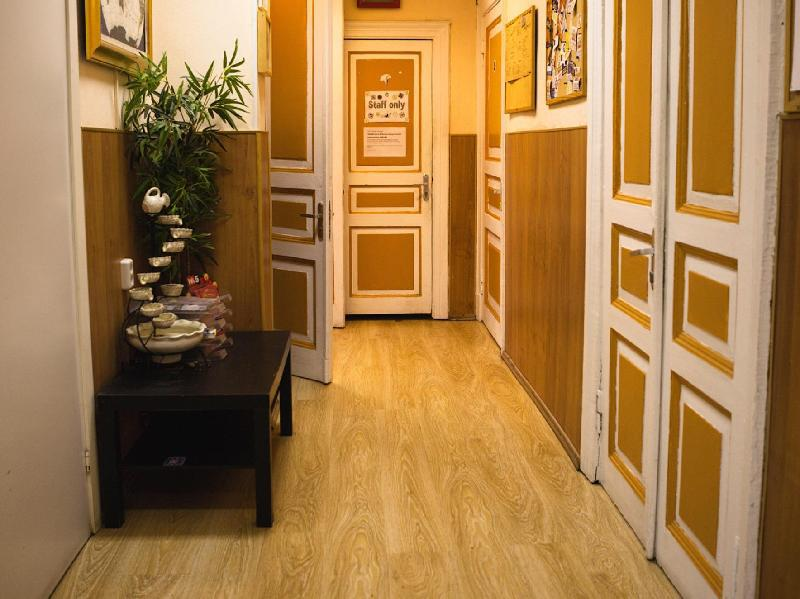 Nyc 2 Bedroom Bohemian Apt Heart Of East Village 60m2 Hotel Moscow