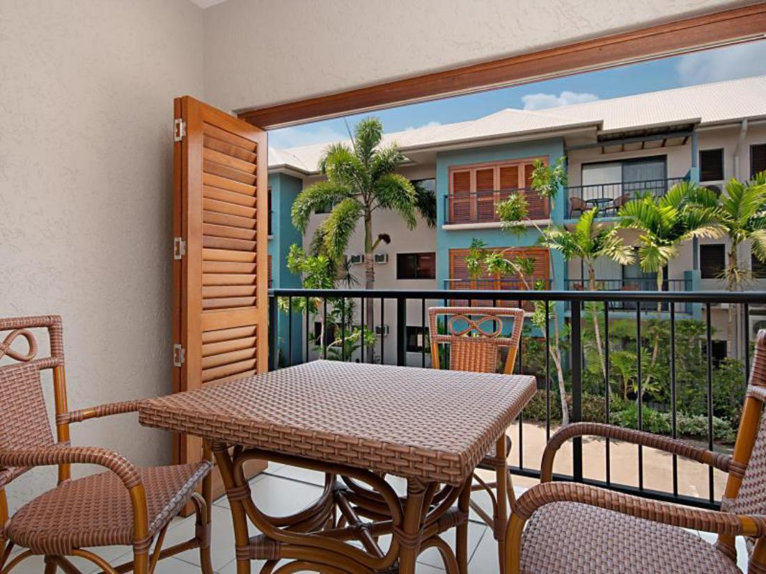 Best Price on Southern Cross Atrium Apartments in Cairns ...