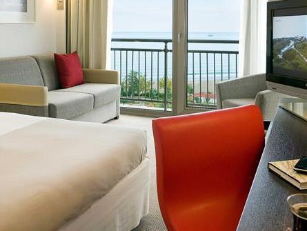 غرفة سوبريور توأم مطلة على البحر (Superior Twin Room Sea View)