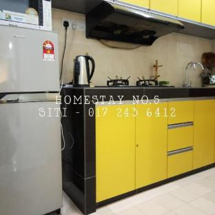 Homestay Shah Alam Sek.15-No.5 (up to 11 people), Kuala Lumpur