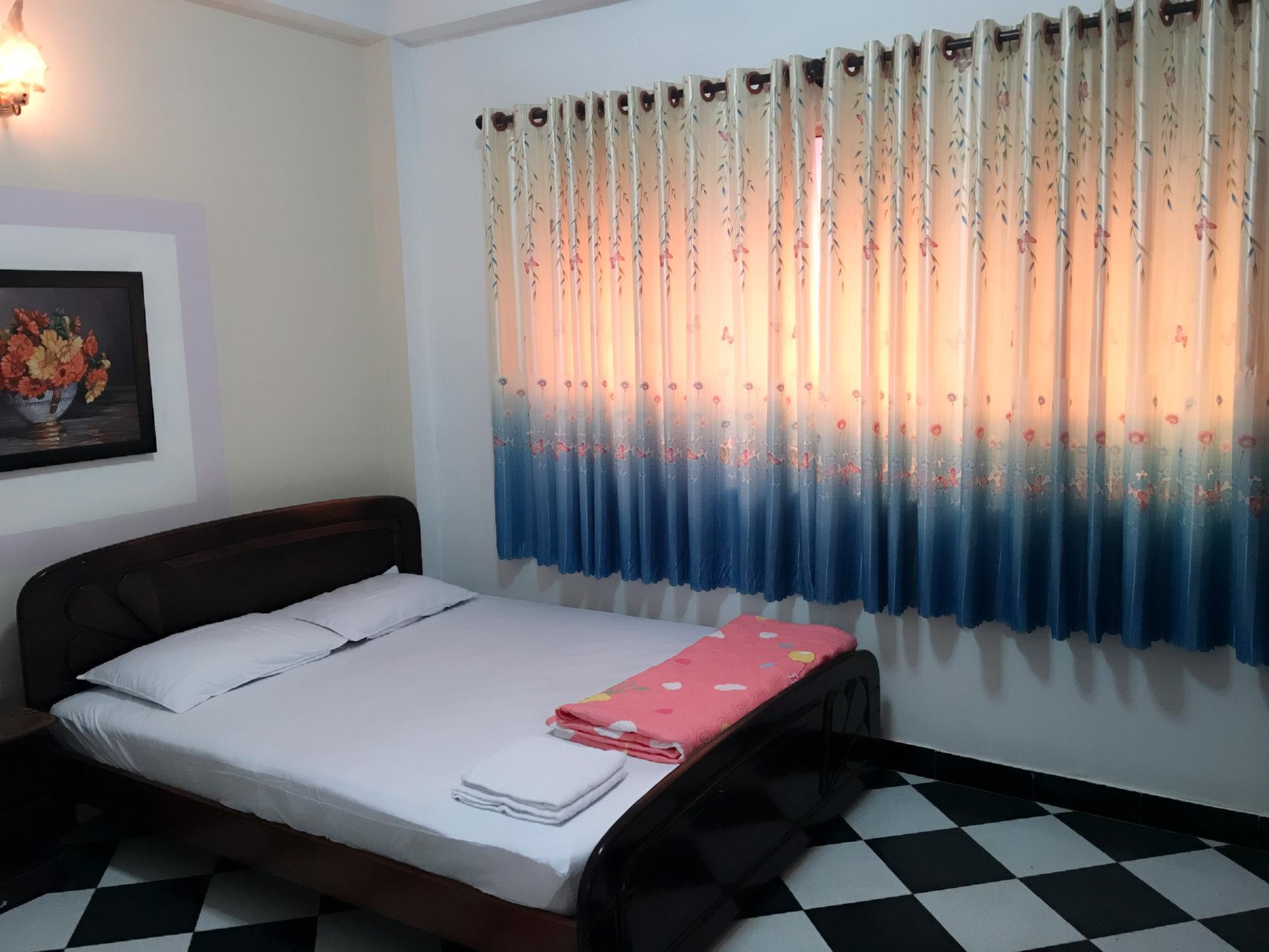 Hoang Nam Hotel, Quận 5