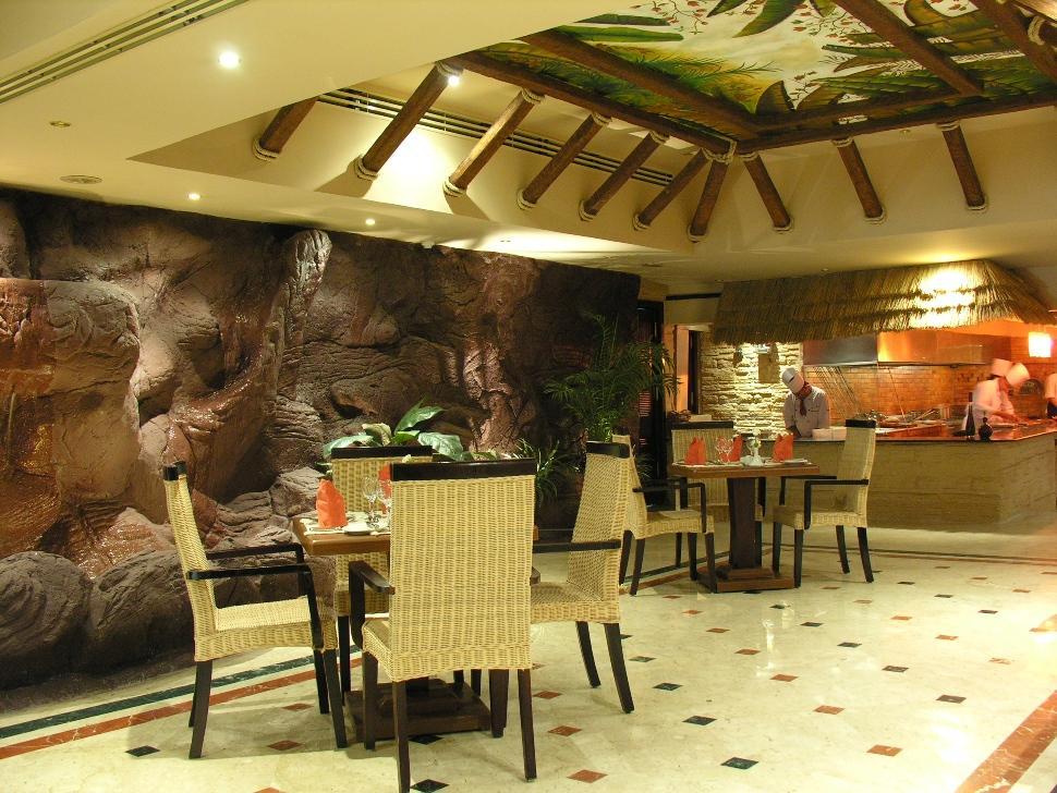 Pyramisa Cairo Suites & Casino Hotel, Ad-Duqi