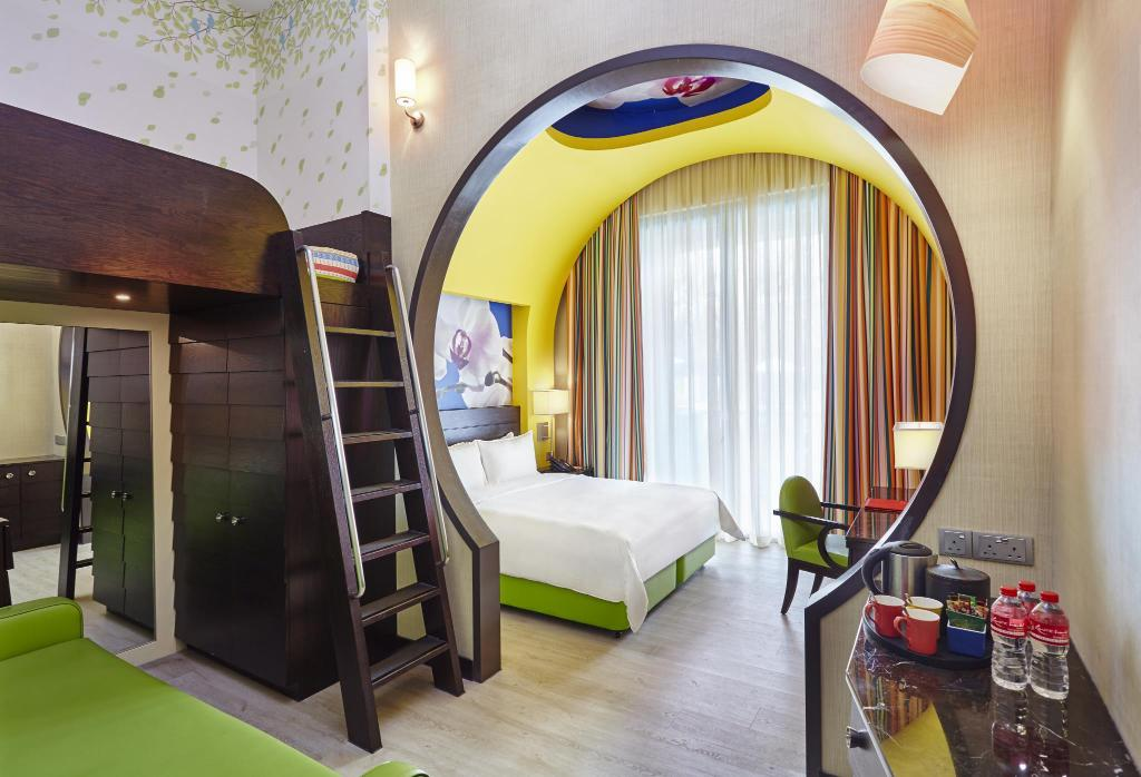 Best price on resorts world sentosa festive hotel in for The family room research