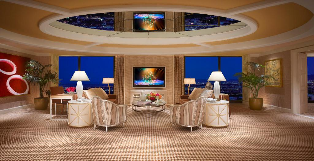 Salon Suite - View
