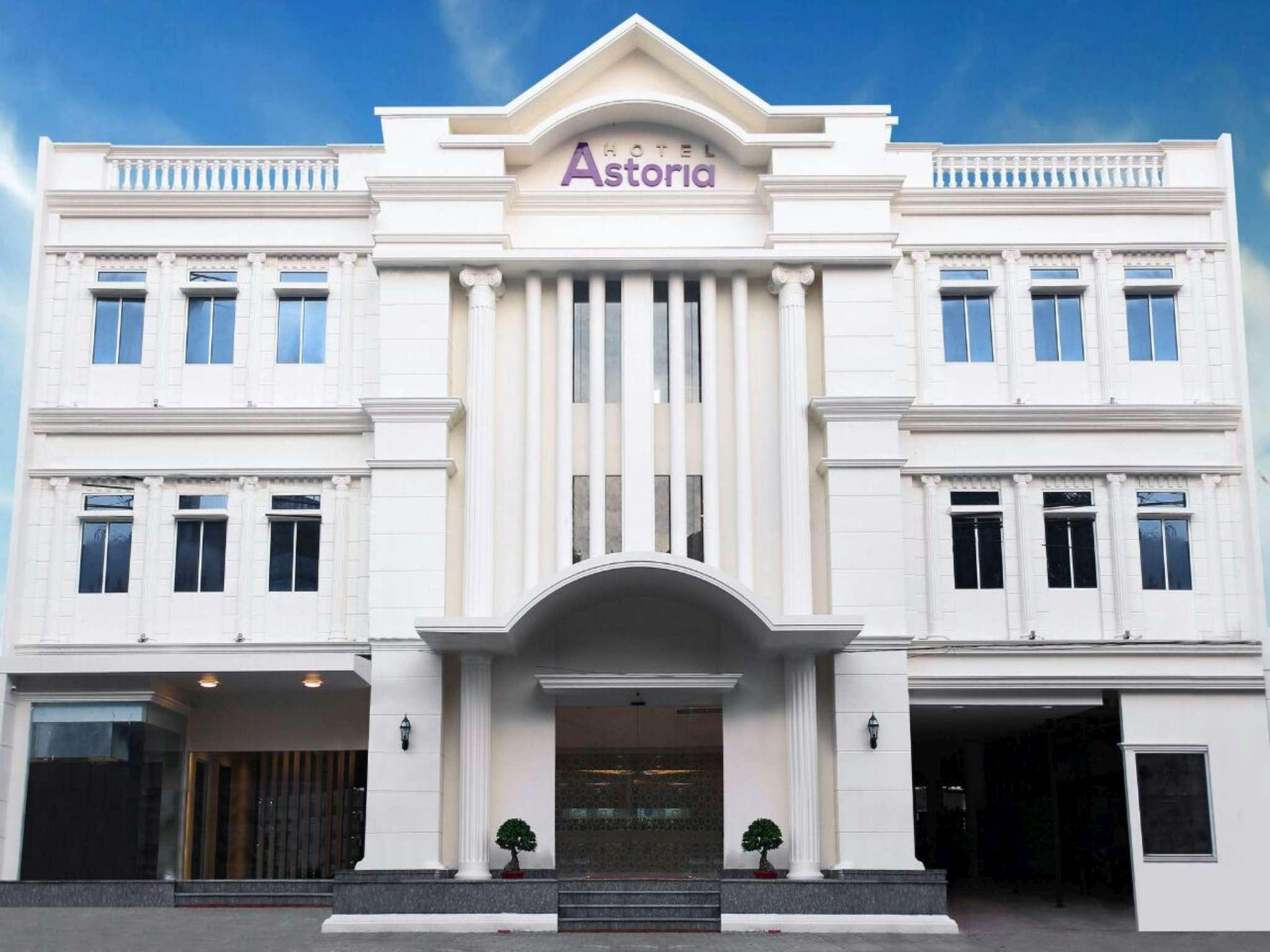 Astoria Hotel (formerly Hanum Hotel)