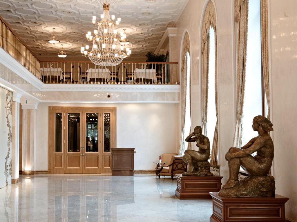 Best price on radisson royal hotel moscow in moscow reviews for Design hotel mosca